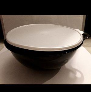 Tupperware Thatsa Bowl